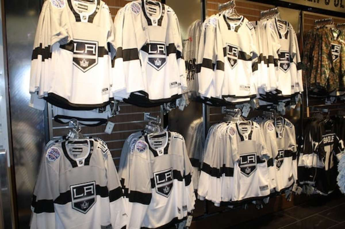 buy popular 45291 5b769 Kings unveil new Stadium Series jersey...but about those ...